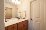 2 floor guest bedrooms have their owne sinks